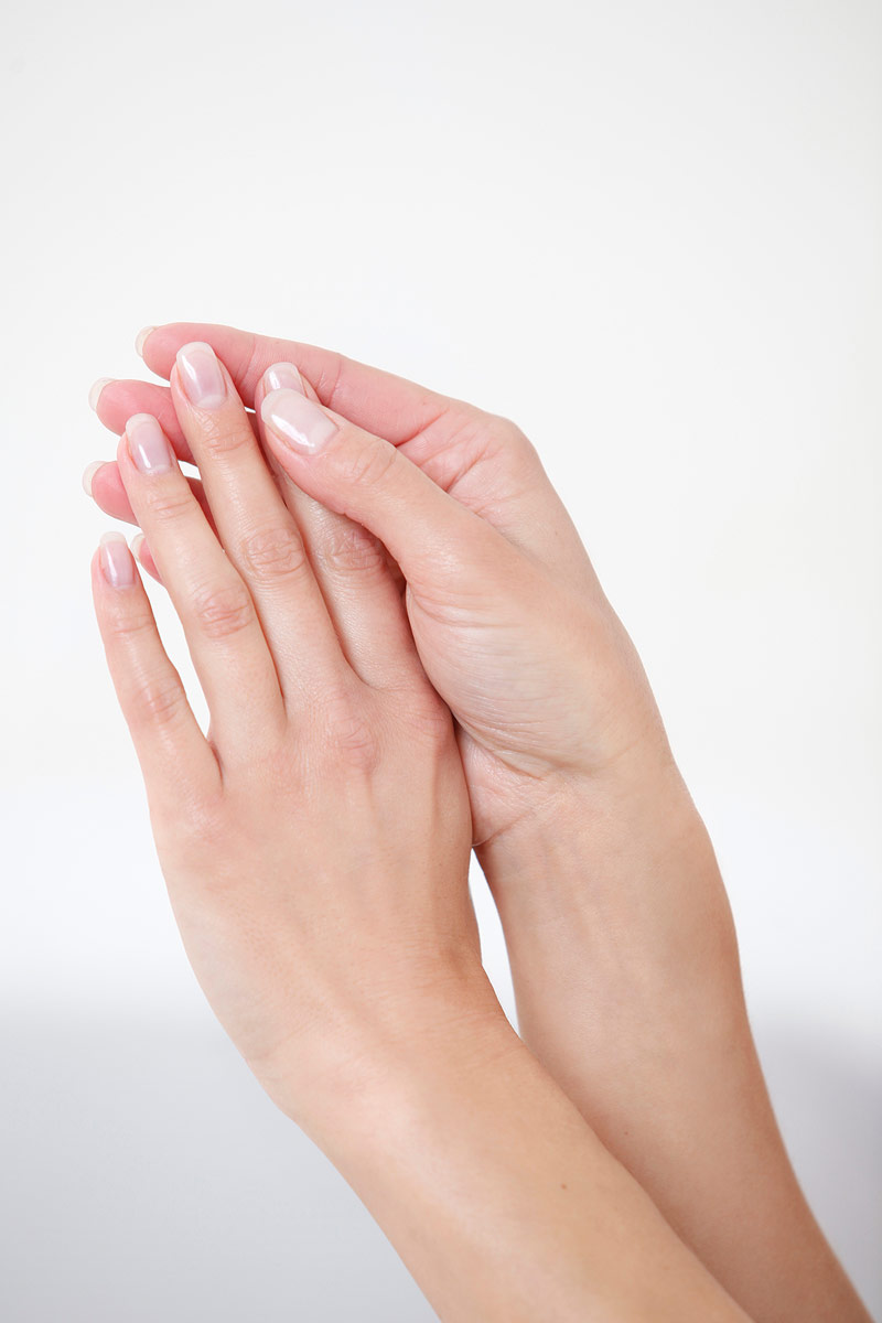 Fingernägel stärken mit Silicium-Gel