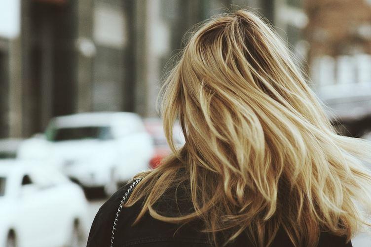 haare pflegen blond
